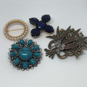 Jewelry - Thrifted jewelry pin lot